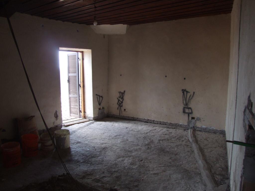 Vendita appartamento indipendente in centro storico san for Vendita appartamenti centro storico roma