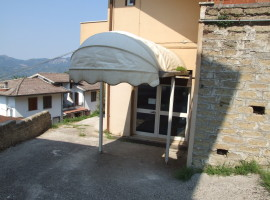 Affitto locale commerciale di mq 220 con servizi,  Olevano Romano