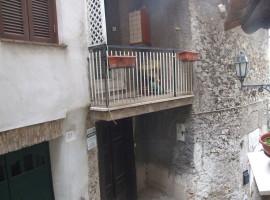 Vendita appartamento ristrutturato e panoramico nel centro storico di  Olevano Romano