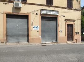 Affitto locale commerciale fronte strada con servizio,  Olevano Romano