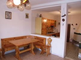 Vendita appartamento con due camere in zona centrale,  Olevano Romano