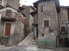 Vendita appartamento da ristrutturare con eventuali cantine antistanti,  Olevano Romano