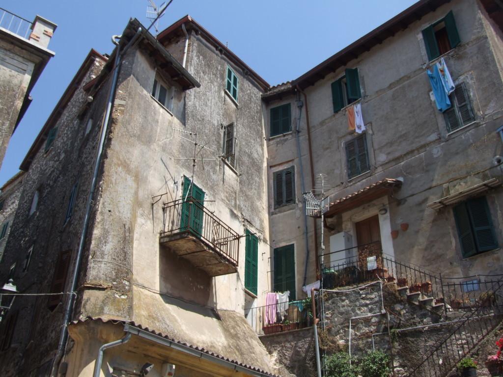 Vendita appartamento signorile di ampia metratura nel for Vendita appartamenti centro storico roma