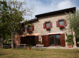 Vendita antico casale in pietra ristrutturato con terreno tra Bellegra e Olevano Romano