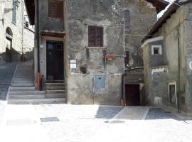 Affitto appartamento indipendente e arredato con cantine a Olevano Romano