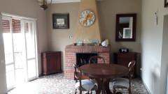 Vendita appartamento indipendente con locali e terreno a Serrone-San Quirico